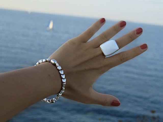 Queriot, mare, estate, argento, bracciali, anello, gioielli