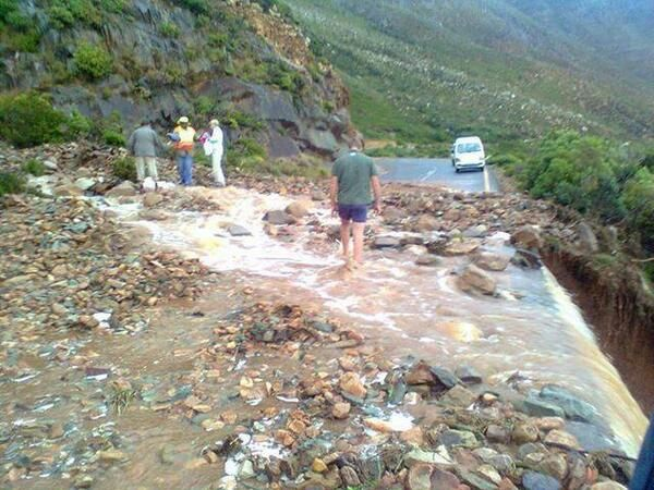 Cape November Storm | Jacqui Clark @Jacqueline Clark Pic of rockfalls on pass between Rooiels and Gordons Bay. They say closed for 6 weeks! #CapeStorm