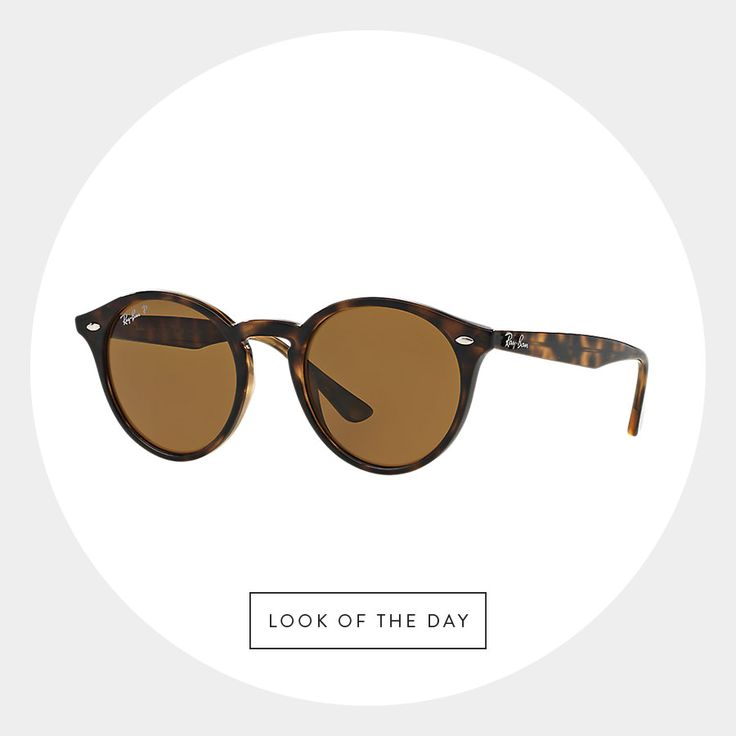 Our latest #LookOfTheDay from Ray-Ban goes with just about anything – perfect for traveling light, and in style. #RoundTrend #Spotted