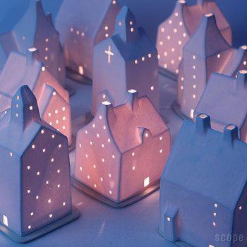 今年は入手できるかも!?「アトリエルンド」のキャンドルホルダー「スモーヒュース」で灯す素朴で温かい光