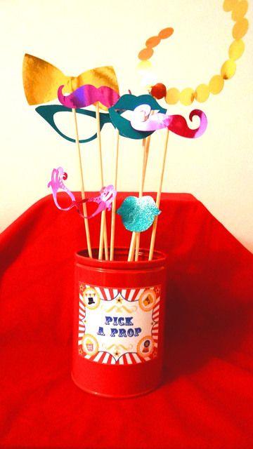 Photo props at a Circus Party #circus #partyprops