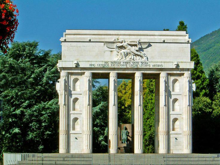 Monumento alla Vittoria by Marcello Piacentini