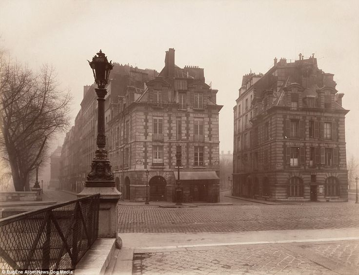 Pont Neuf photographed in 1925. Located in the very heart of the city, this would have been one of the first areas overhauled byHaussmann. Paris, which now attracts millions of tourists each year, still owes much of its modern looks to work carried out in this period