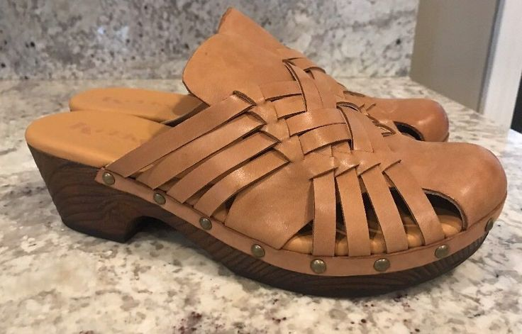 NEW KORKS Women's ASA Platform Mules Studded Clogs Woven Tan Leather - Size 9 #Korks #Clogs #Casual