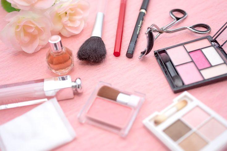 抑えるポイントは5つ!メイク初心者向け化粧品の選び方