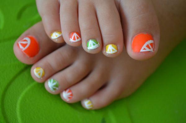 Simple Summer Toenail Designs for Beginners