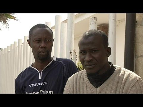 Afrikanische Flüchtlinge in Italien-Vol.1.wmv - YouTube