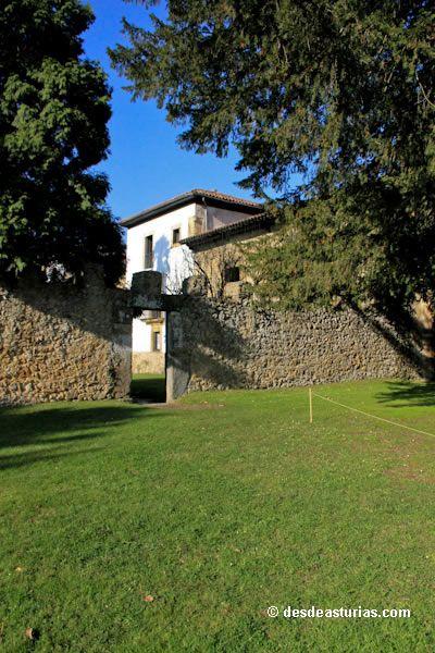 El tejo, un árbol milenario. Fotos de #Asturias [Más info] http://www.desdeasturias.com/el-tejo-un-arbol-milenario/