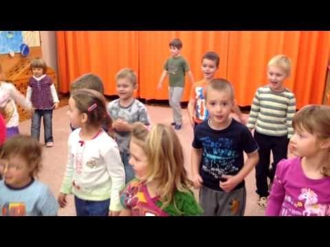 Vánoční besídka MŠ Kamarád, třída Zajíčků - YouTube