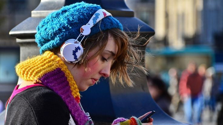 7 Must-Read #Tips for Buying #Headphones http://mashable.com/2013/11/12/headphones-tips/