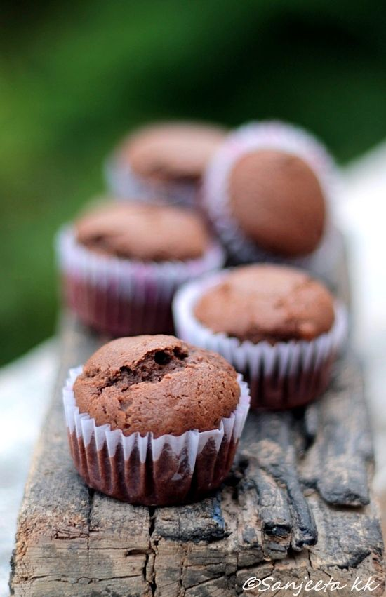 Eggless chocolate muffins, easy and quick bakes. http://litebite.in