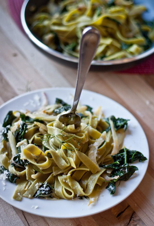 Sauteed fennel, kale, and garlic combined with fresh pasta and tossed with lemon juice and red pepper flakes make a simple weeknight dinner.