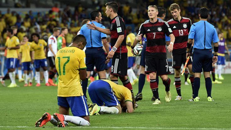 sendo levantadas nos EUA é o que o chefe da CBF ( Brasil ) preso pela Polícia Americana está envolvido no resultado do jogo entre Brasil e Alemanha.