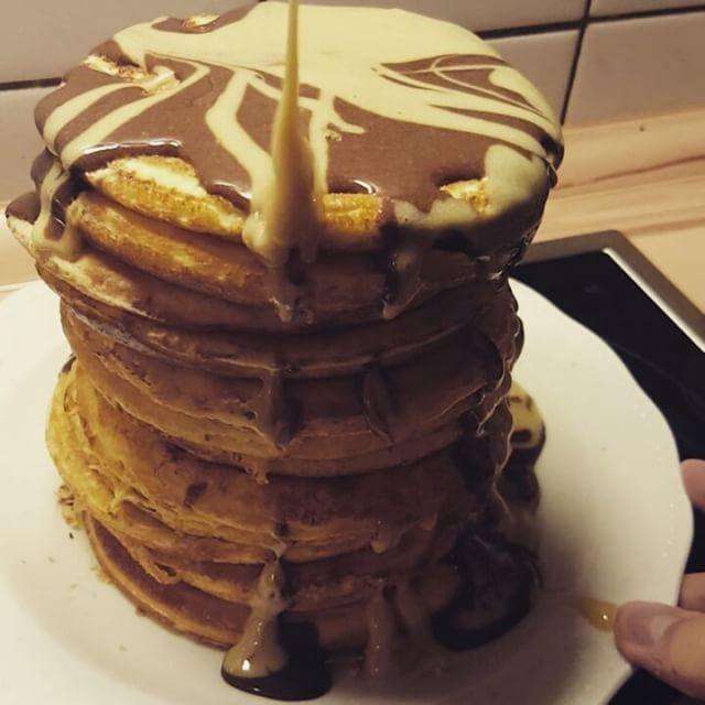 gebacken mit @myproteinde Impact Whey Smooth Chocolate #fitness #fitnesslifestyle #gainz #protein #proteinpancakes #lowcarb #food #foodporn #instafood #healthy #creative #bakery #chocolate #vanilla #nosugar #ohmygod #instadaily