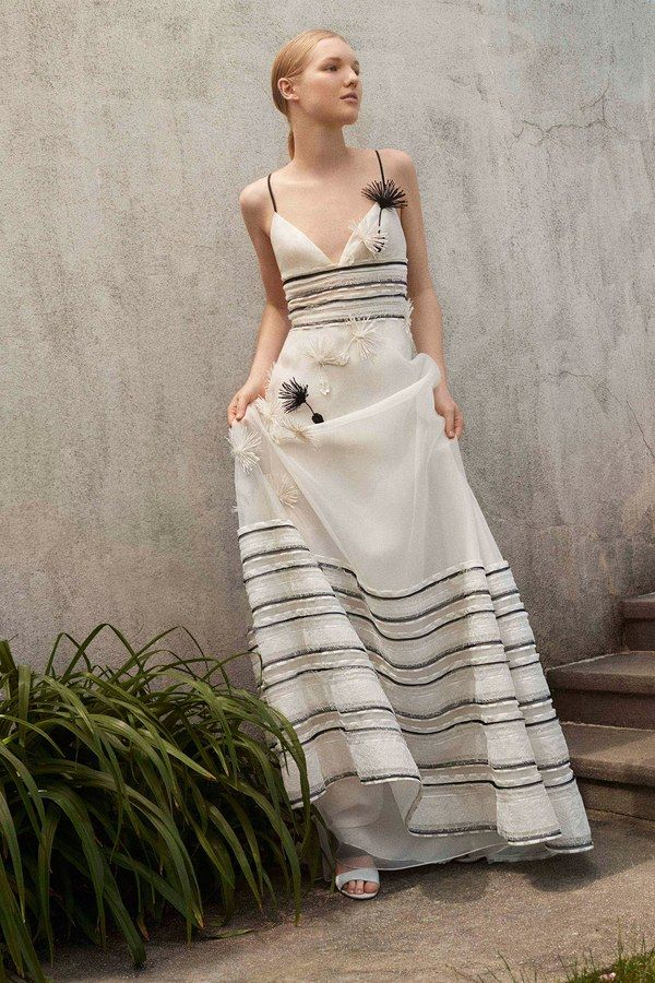 Carolina Herrera Resort 2018 collection
