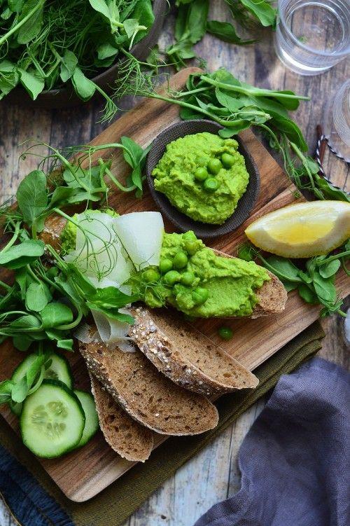 Zöldborsókrém borsócsírával recept