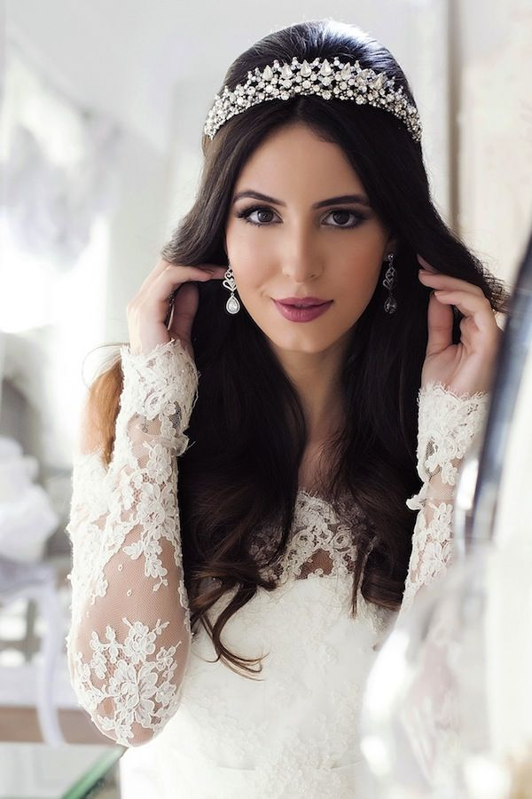 Editorial   Tiaras e Coroas Clássicas Contemporâneas   Vestida de Noiva   Blog de Casamento por Fernanda Floret