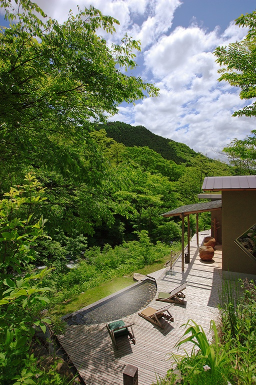 Relais & Chateaux - Every room at Bettei Senjuan looks out on the extraordinary Mount Tanigawa, with its snow-capped peaks and the cherry blossom trees at its base that turn the landscape a beautiful pink in spring. Senjuan - Jaoan. #relaischateaux #garden #spa #landscape