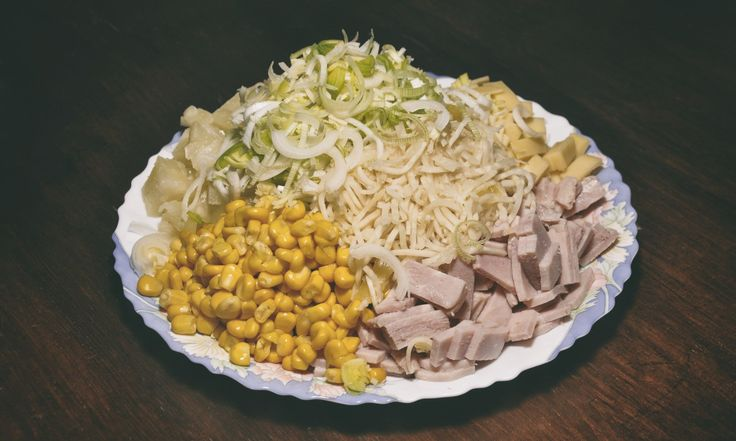 Sałatka z warzywami i męsem