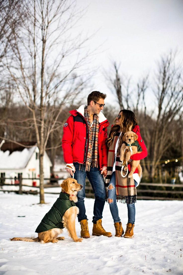 fashion blogger mia mia mine with husband phil thompson at a christmas tree farm