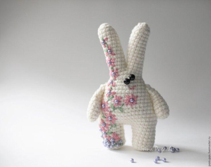 Купить Зайчик в Цветах вязаный заяц игрушка ручная работа - белый, вязаный…