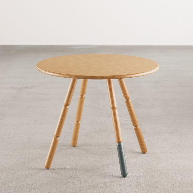 'Lazy' round dining table by Freshwest for J+J