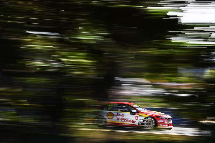 Scott McLaughlin drives the #17 Shell V-Power Racing Team Ford Falcon FGX during race 22 for the Gol... - Daniel Kalisz/Getty Images