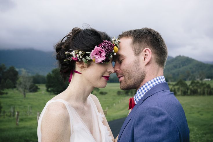 pastel-colour-flower-crown-boho-chic-wedding-dress-groom-portrait-wedding-photographer-kangaroo-valley