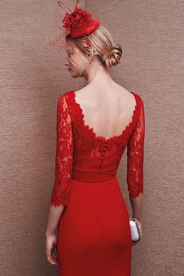 Vestido de fiesta corto rojo realizado georgette con cuerpo de encaje y manga francesa. Ideal combinarlo con tocado a tono o en...