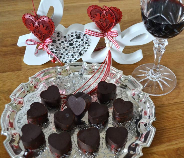 Chocolate raspberry hearts, so easy to make!