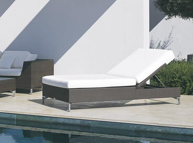 CUBIC BAY Chaise Lounge  The CUBIC BAY lounger can be used as a puristic lounging object as well as an attachment to a seating landscape. And the extraordinarily luxurious width of 95cm of the lounging surface is worthy of mention.~ Rausch
