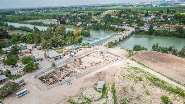 Misis antik kenti/Adana/// Misis antik kenti (Mopsuestia), Ceyhan Nehri kenarında, tarihi İpek Yolu üzerinde kurulmuş, Adana'dan sonra gelen ikinci bir geçit durumundadır.