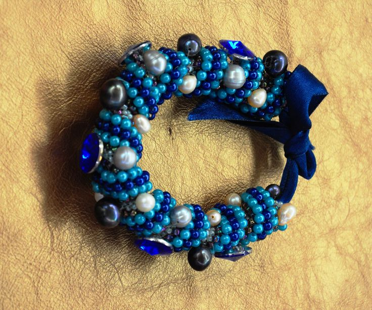 Couture bracelet Tubular Spiral Peyote Stitch Natural pearls and Japanese Crystals