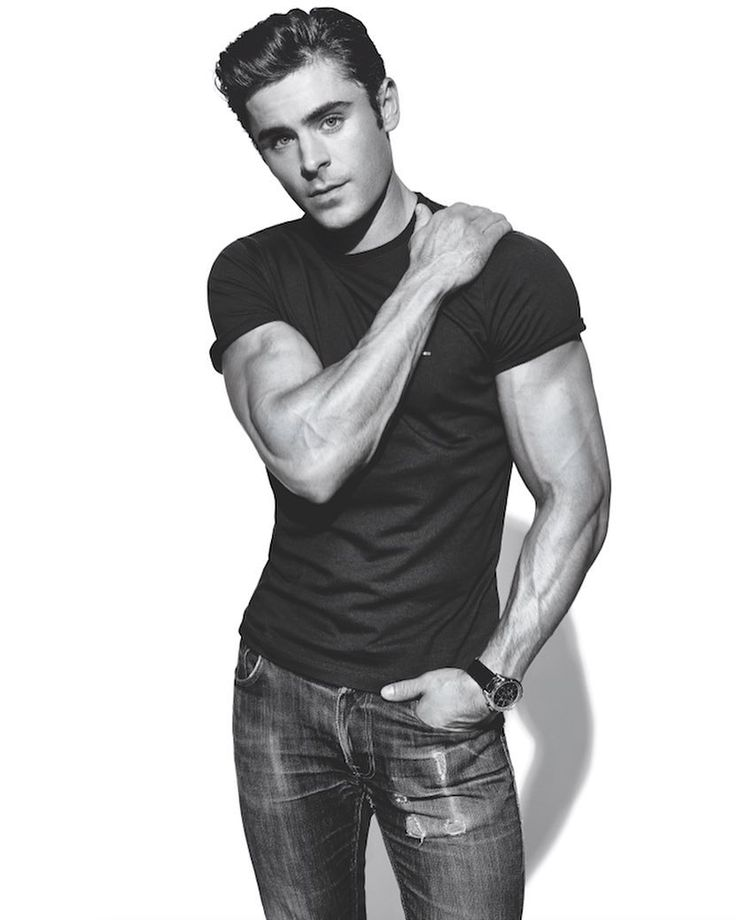 Get ripped enough for Baywatch with Zac Efron's transformative workout. The explosive three day plan is on MensFitness.com now. Link in bio. #zacefron #baywatch #superset : @jefflipsky by mensfitnessmag