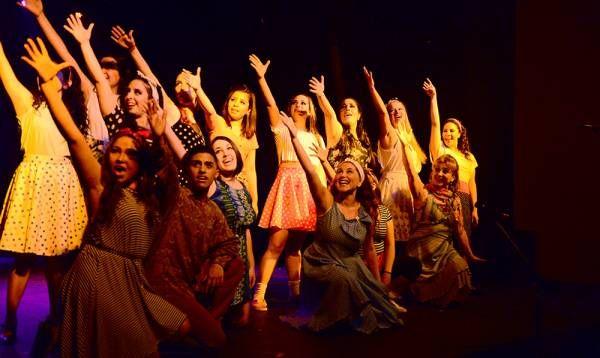 Alumnos ovacionados en el cierre de la Escuela Municipal de Comedia Musical de San Fernando