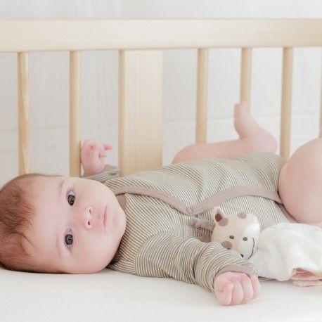 Un joli coeur dans notre body naissance croisé à rayures choco 100% coton