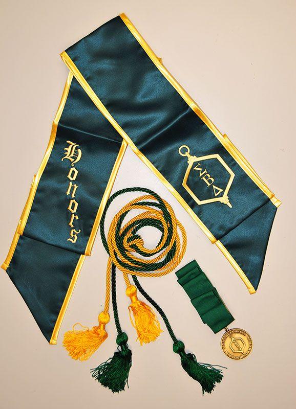 25 Best Ideas About Graduation Regalia On Pinterest