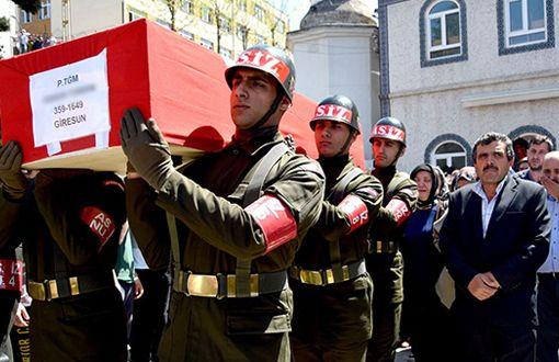 Terhisine 4 Saat Kala İntihar Eden Zorunlu Asker Toprağa Verildi