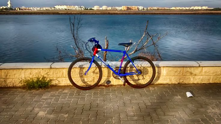 Punta del Moral. Foto tomada con un Moto G a 3.8 Mp y editada con Photoshop CC con filtro HDR.