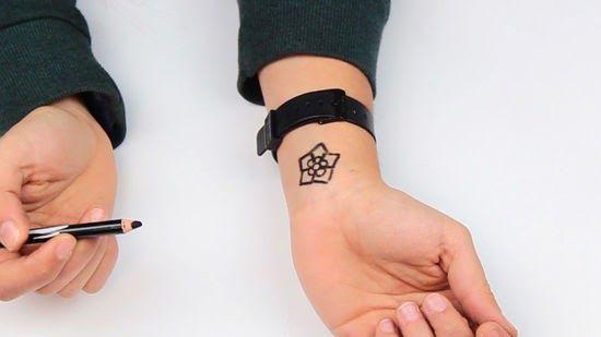 Gambar Tato Dari Pulpen Mesin Tatoo Kali Ini Lebih Bergaya Di Banding Dengan Mesin Yang Biasa Di Pos Kan Oleh Blog T Fake Tattoos Tato Sementara Tato Temporer