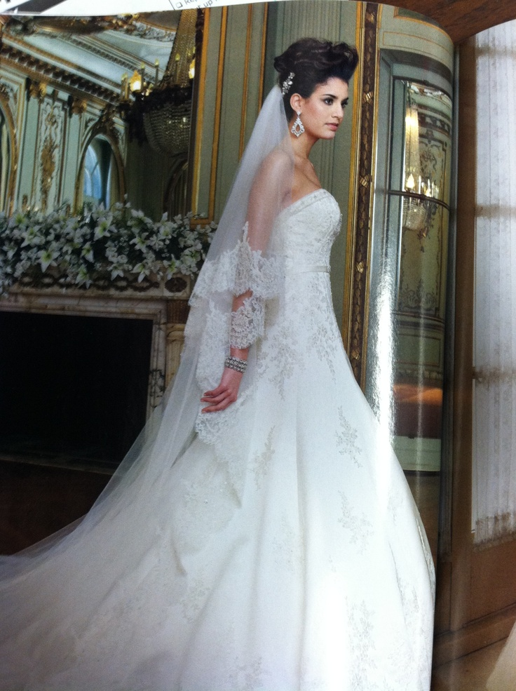 116 best Stunning Wedding Dresses images on Pinterest | Gown wedding ...