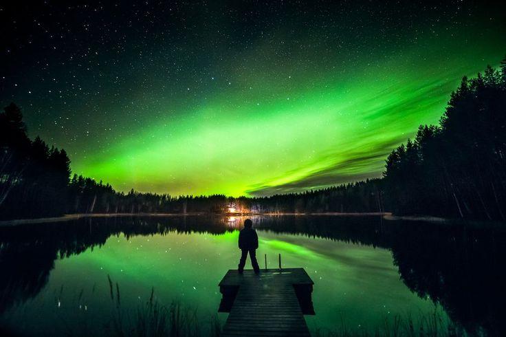 """""""Tähtitaivas ja revontulia. - """"Rocket Lady"""" Kuva/Photo: ©Salla Seeslahti"""" (quote) via yle.fi"""