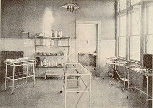 An Operating Room circa 1910. AAHN website. Read about the training a student nurse got in  surgery during her training at Orange Training School for Nurses, Orange, NJ  in 1899, from her own diary.