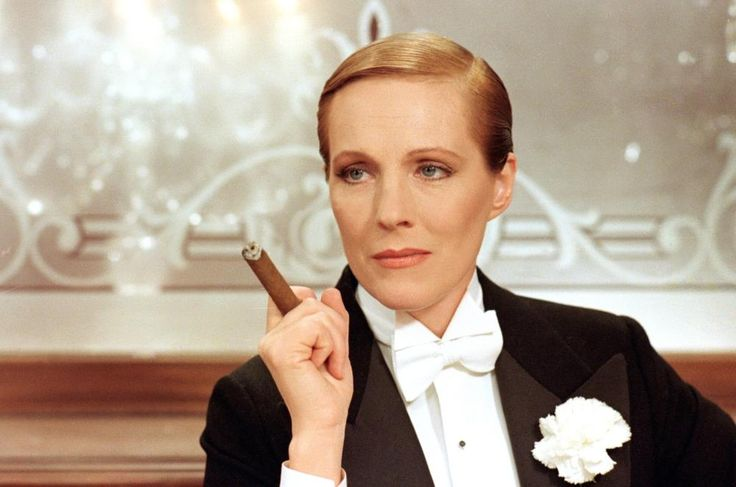 Julie Andrews, 1982 | Gay Themed Films To Watch, Victor/Victoria http://gay-themed-films.com/films-to-watch-victorvictoria/