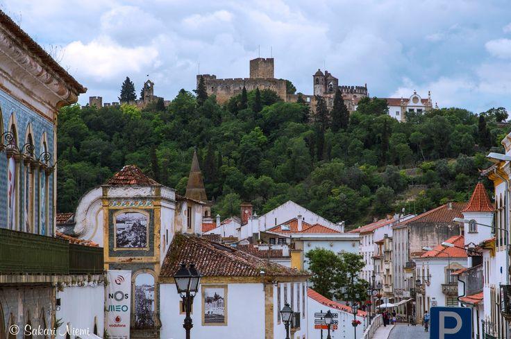 PT_160617 Portugali_0018 Tomarin vanhaa kaupunkia Kristuksen luostarille