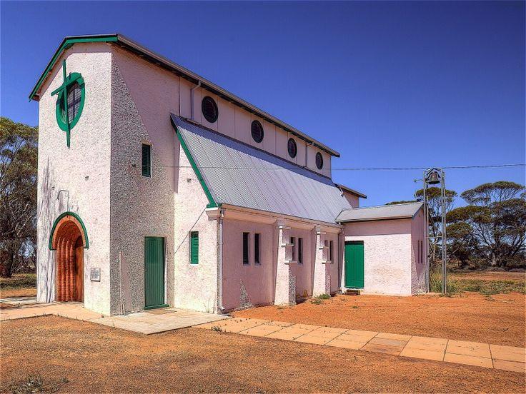 BA2741/158: St. Joseph's Church Perenjori, 26 September 2014 http://purl.slwa.wa.gov.au/slwa_b4634279_2