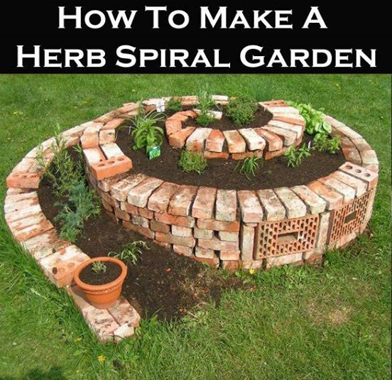 How To Make A Herb Spiral Garden!  Step by step video here: http://homesteadingsurvival.com/how-to-make-a-herb-spiral-garden/