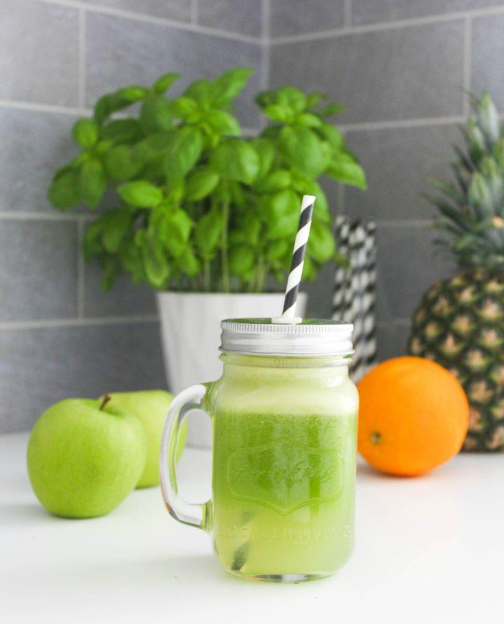 På mandag kjøpte jeg min første juicer noensinne, og jeg har blitt helt hekta! Som jeg skrev i in...
