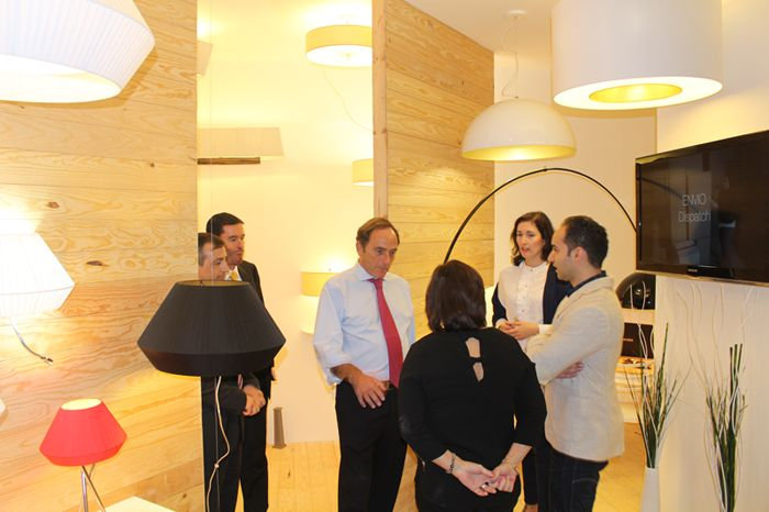 Deputy Prime Minister of Portugal, Dr. Paulo Portas, visited Paulo Coelho stand at EUROLUCE 2015.