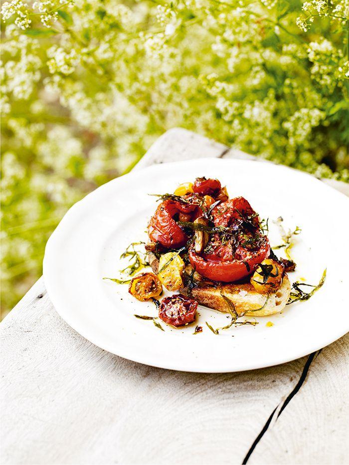 Gatheris een fijn kookboek van chefkok Gill Meller, waarvoor hij culinaire inspiratie haalde uit onder andere…